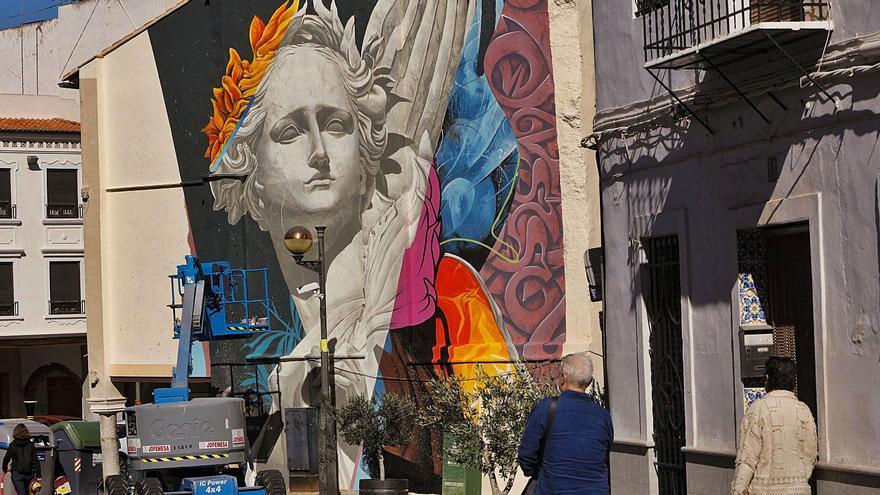 """El mural de """"Kraser"""" cautiva en Sagunt"""