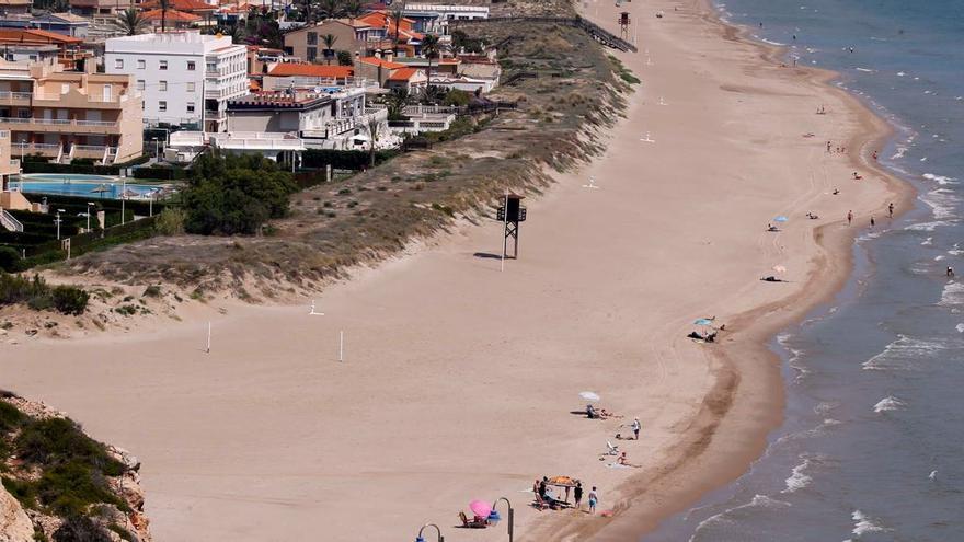 Paralizada la extracción de  1,1 millones de metros cúbicos de arena en Cullera