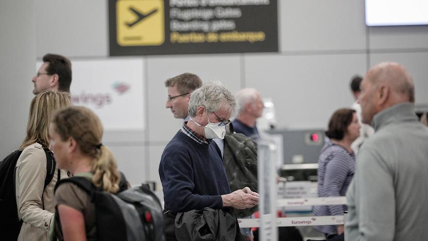 Ponen en cuarentena a otros 152 viajeros de tres vuelos internacionales a Palma