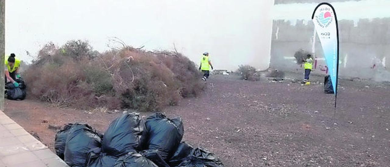 La limpieza de la Isla del Cabildo recoge en tres meses 135 toneladas de basura