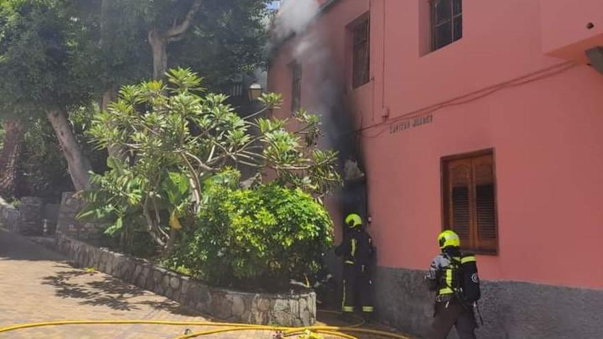 Incendio en el interior de una vivienda de Ingenio