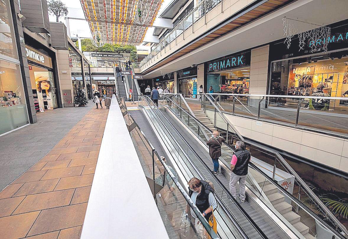 Los centros comerciales también se sumaron a esta campaña.