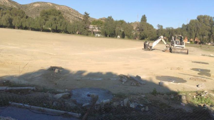Comienzan las obras del campo de béisbol de la Universidad Laboral