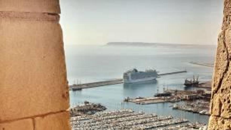 5.000 cruceristas este fin de semana, uno de los últimos contingentes del año