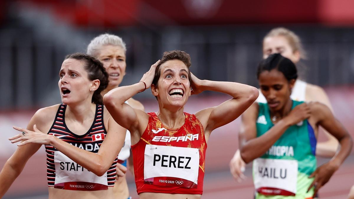 Marta Pérez celebra su clasificación para la final del 1.500m en los Juegos Olímpicos de Tokio 2020.