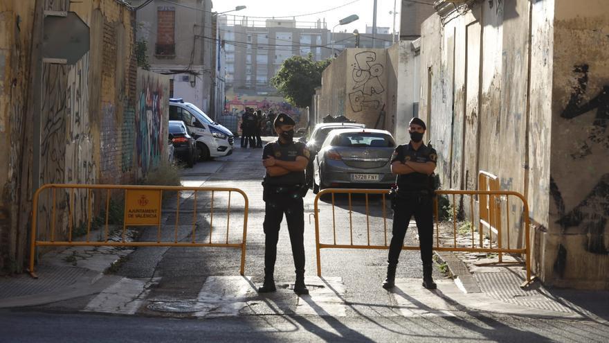 Nuevo desalojo en la segunda finca de la calle Manuel Arnau