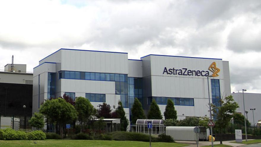 La vacuna de AstraZeneca y Oxford llega hasta el 90% de eficacia