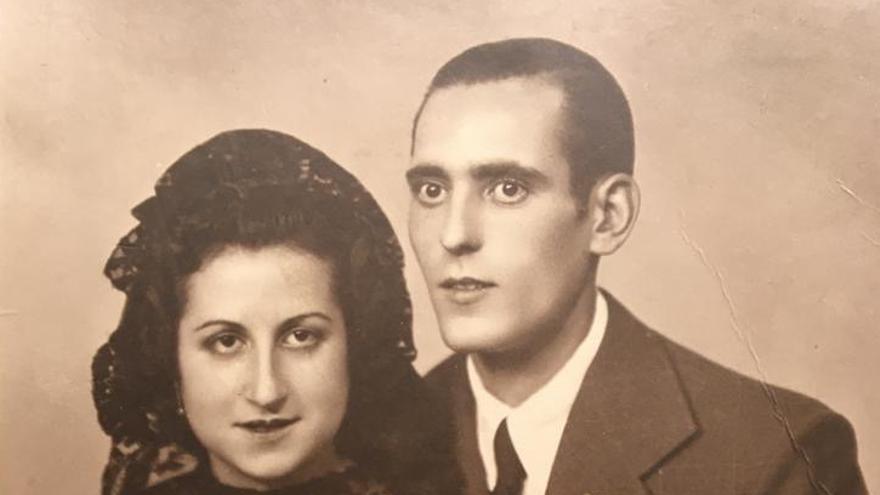 'Cartes a Lola': La història d'amor entre un pres del franquisme i una dona que vivia davant de la presó