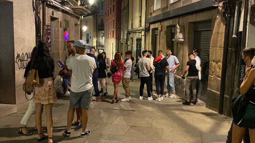 Refuerzos antibotellón en las ciudades gallegas y Sanxenxo ante el aumento de contagios entre jóvenes