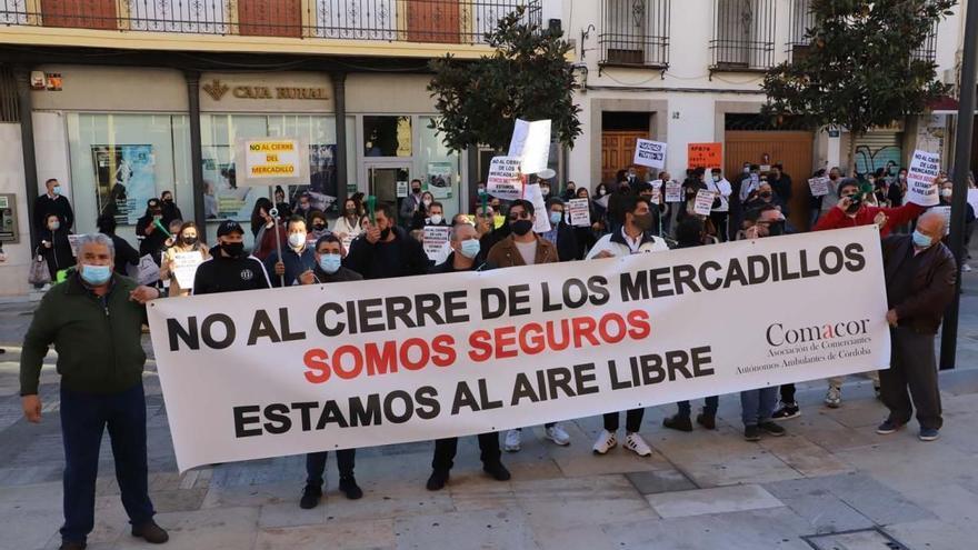 PSOE, IU y Podemos aplauden que las reivindicaciones del comercio ambulante hayan sido atendidas