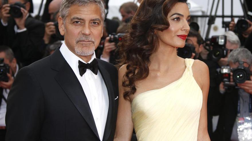 Amal Clooney, embarazada  de gemelos