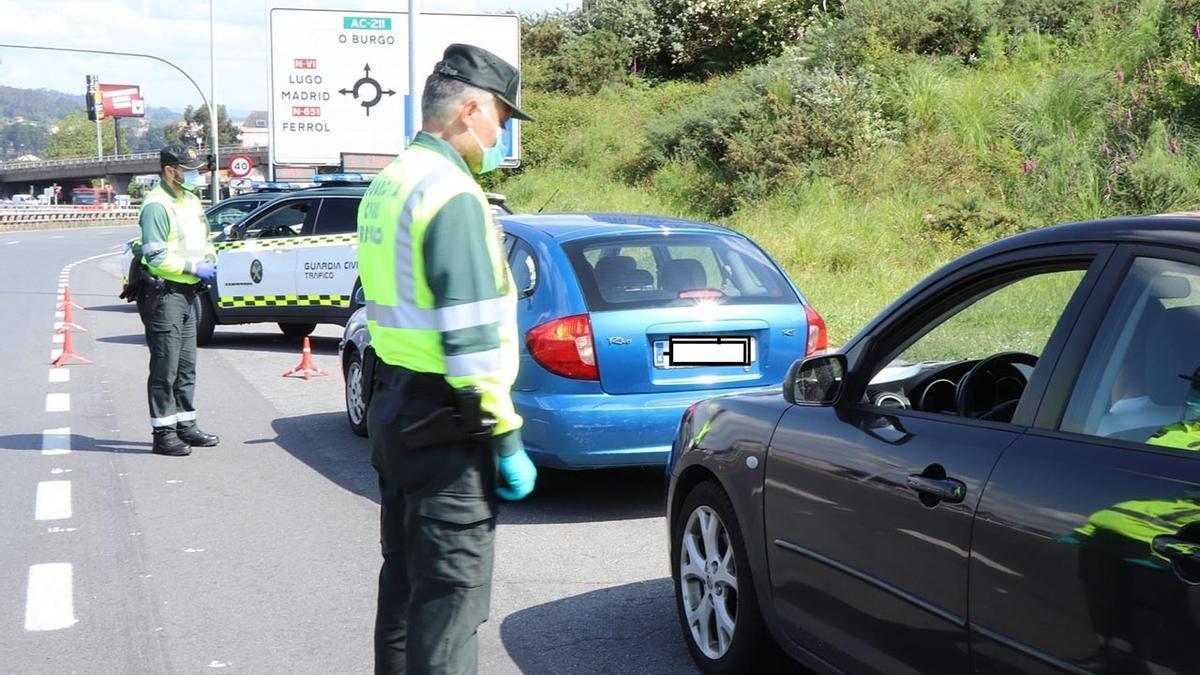 Control de la Guardia Civil de Tráfico en A Coruña