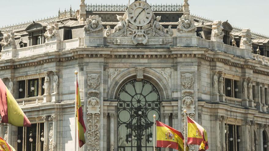 El Banco de España atribuye el alto paro universitario a la baja calidad de los estudios