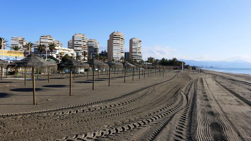 Fallece un bañista en la playa de Playamar de Torremolinos