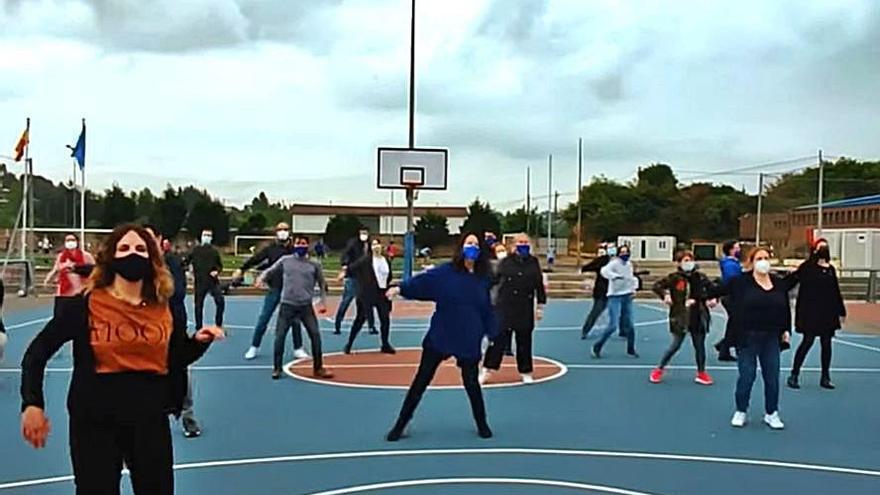 Un baile por los alumnos del San Ignacio