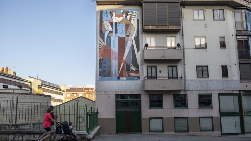 """Zamora luce el mural """"Delhy Tejero 1956"""""""
