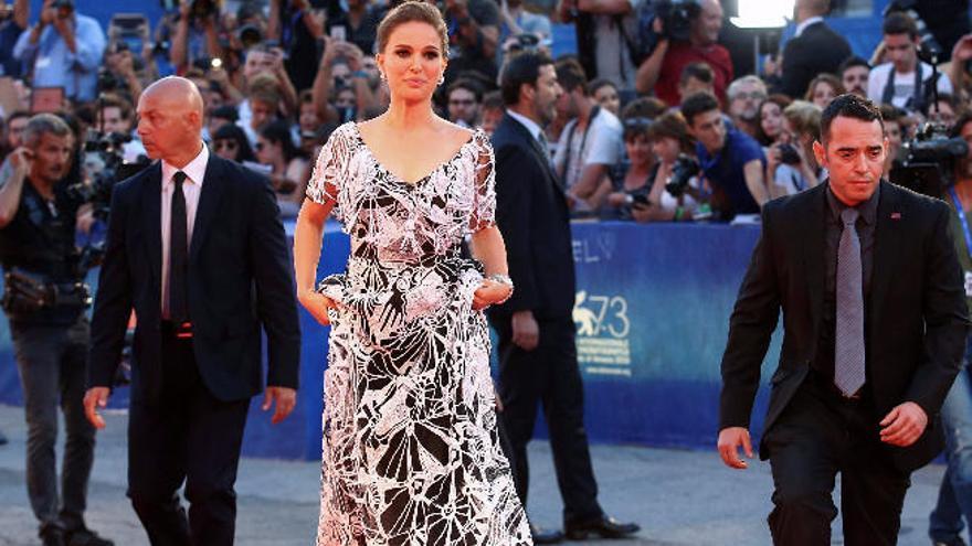 Natalie Portman encandila a Venecia