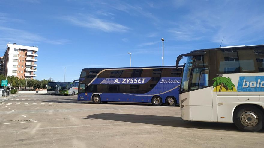 Els autocars internacionals de turisme tornen al Garrigal de Figueres