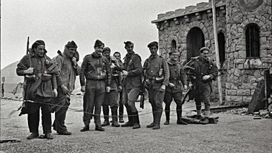 Una taula rodona analitza la fotografia de guerra al Mume