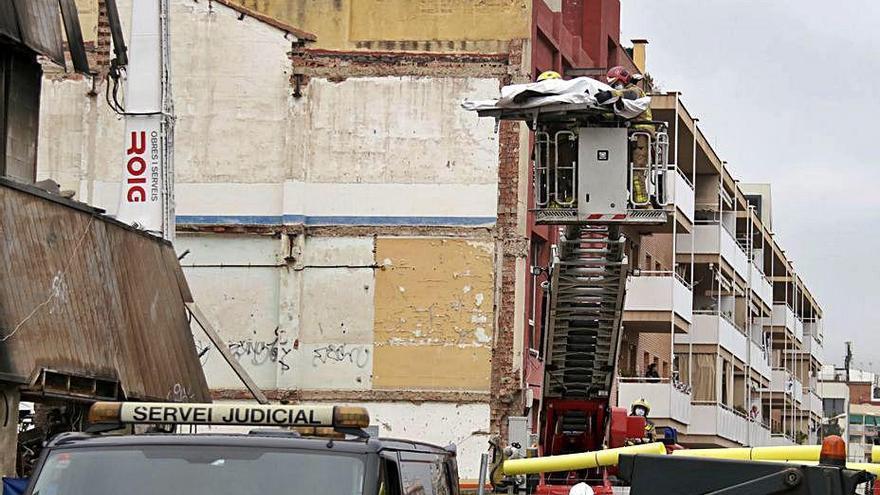 Troben el cos d'una quarta víctima a la nau de Badalona