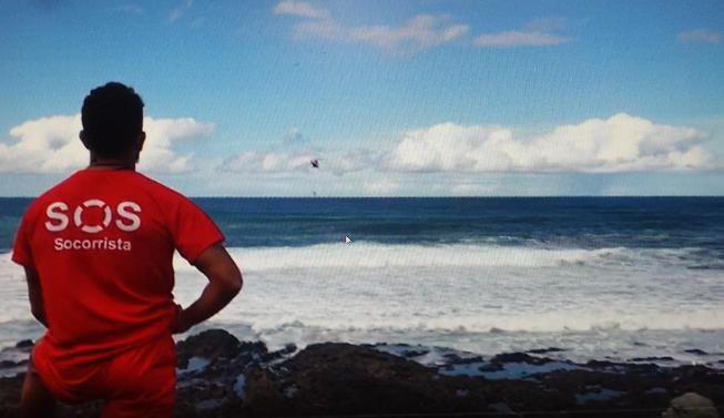 Rescatada una bañista en el Puerto de la Cruz