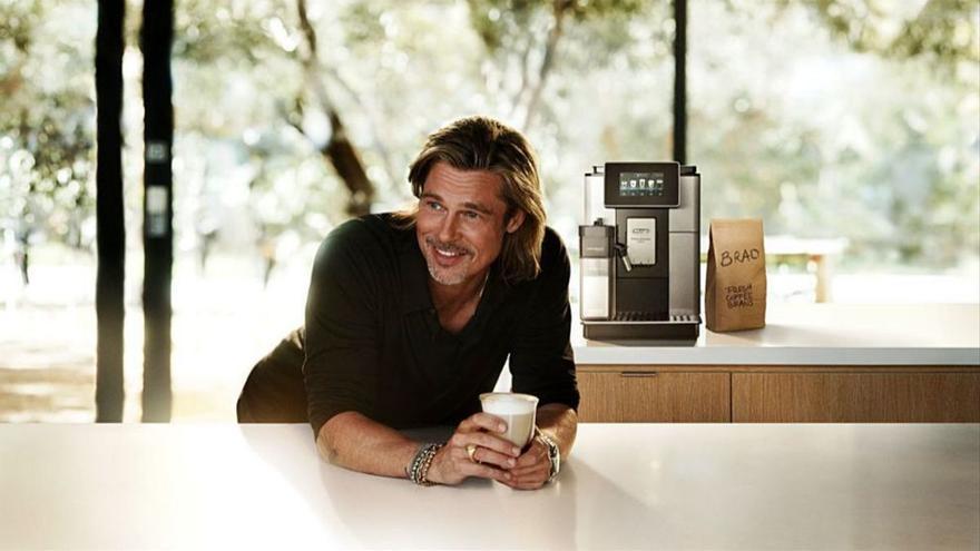 Brad Pitt y George Clooney: la batalla por ser el rey del café