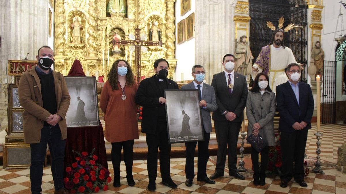 Noelia Romero presenta el cartel de la Semana Santa de Aguilar