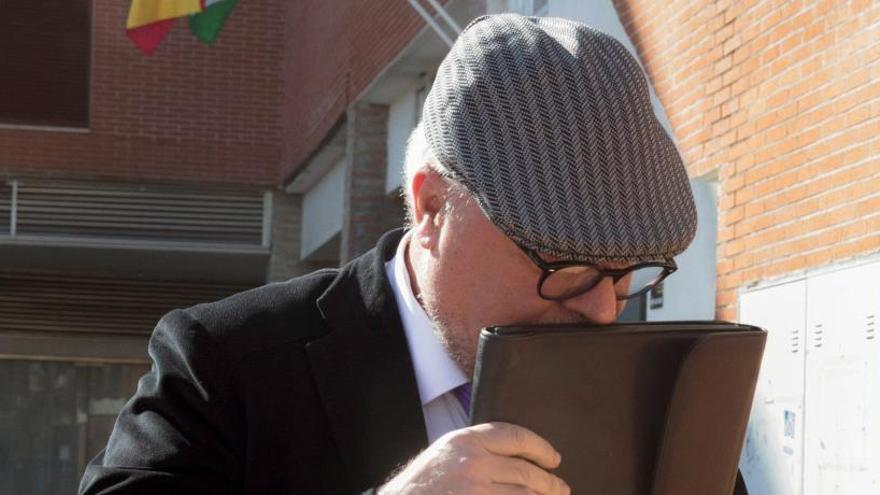 Villarejo y su mujer, a juicio por grabar una reunión del CNI sobre el 'pequeño Nicolás'