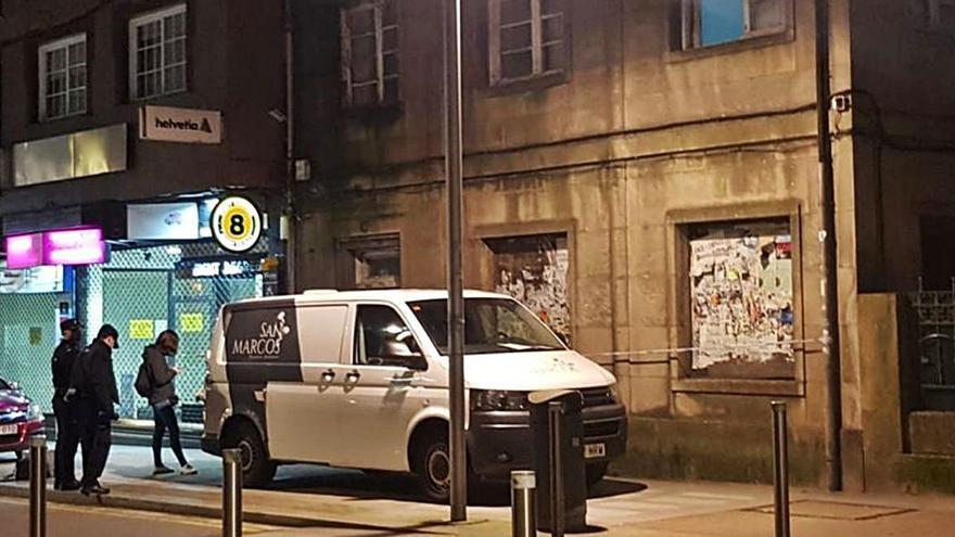 """Fallece un """"sin techo"""" en la antigua casa de maestros del CEIP Álvarez Limeses"""
