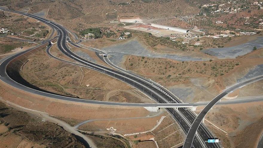 Sacyr vende el 95% de la autopista Las Pedrizas por 455 millones