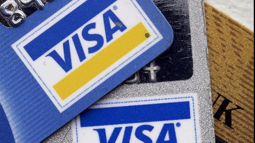 VISA investiga un fallo que provocó pagos duplicados durante el puente