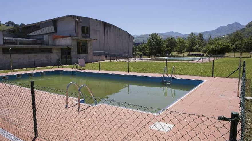 La piscina al aire libre de Pola de Laviana abre desde mañana hasta el 31 de agosto