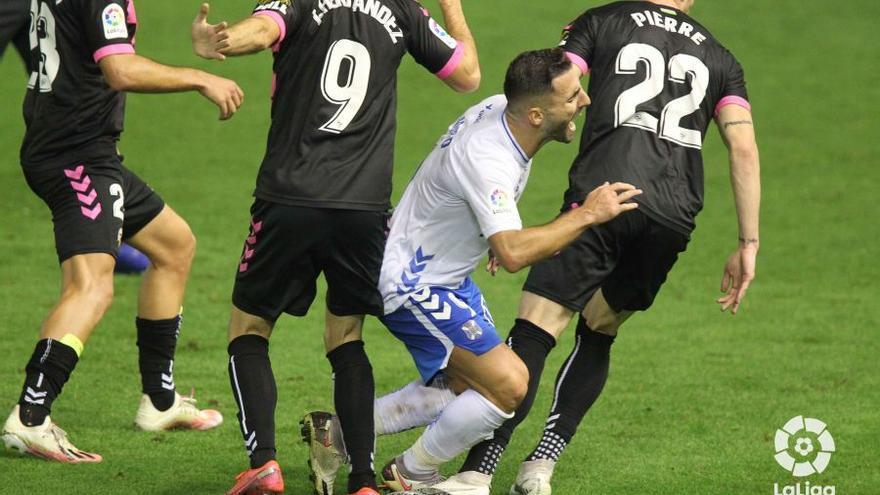 El Tenerife recae y pierde con el Sabadell (1-2)
