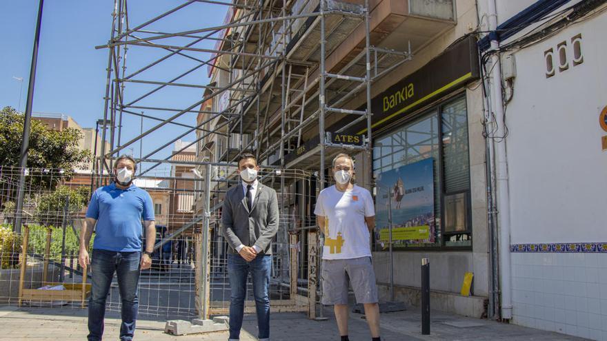 Sagunt inicia el desmontaje del mural de Michavila