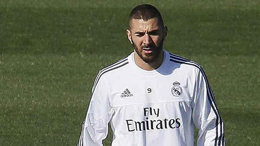 Benzema pidió a Valbuena negociar con los chantajistas