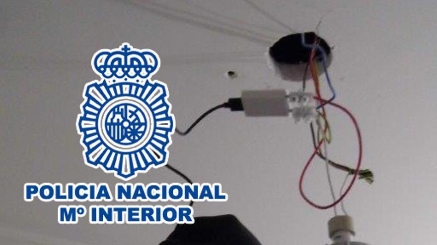 Detenido en Dénia por poner minicámaras espía en el aseo de su vecina y de su expareja