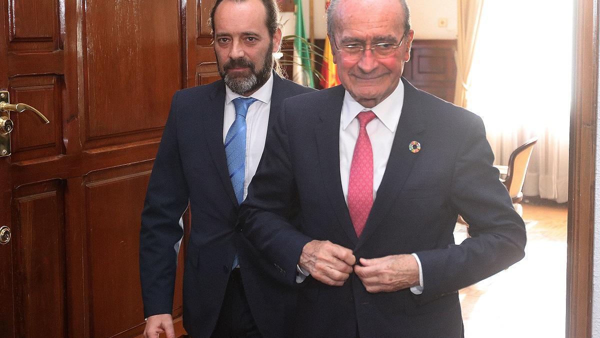 El alcalde y Juan Cassá.