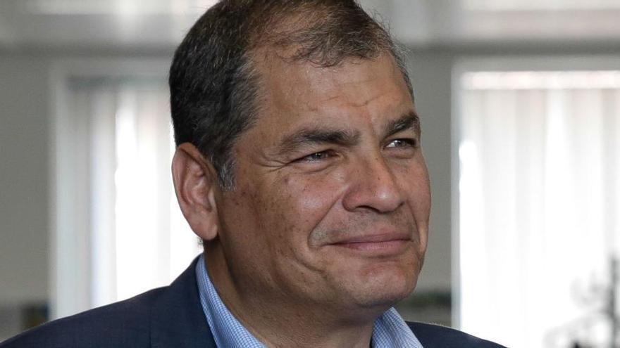 Investigan a una empresa española por supuesto espionaje a Rafael Correa