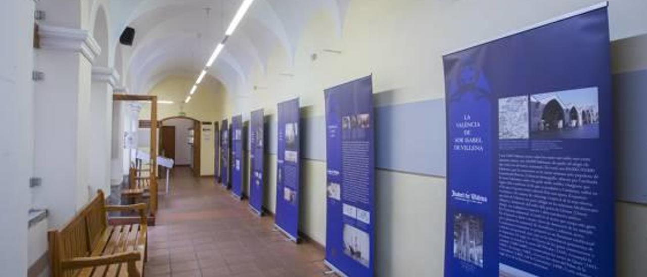 Una parte de la muestra sobre Isabel de Villena abierta en Gandia.