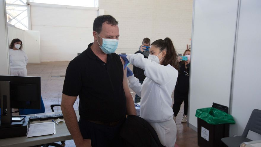 El Recinto Ferial de Ibiza aumenta este fin de semana su ritmo de vacunación, con 800 personas al día
