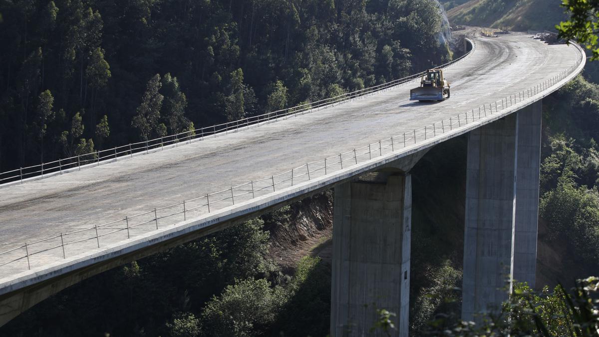 Construcción de la autovía del Suroccidente | ÁNGEL GONZÁLEZ