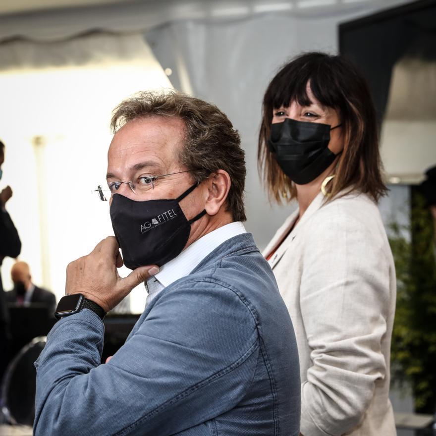 """Visita se Pedro Sanchez a ArcelorMittal, que  construirá un horno de arco eléctrico en Asturias con el se inicia """"una nueva época"""" industrial en la factoría"""