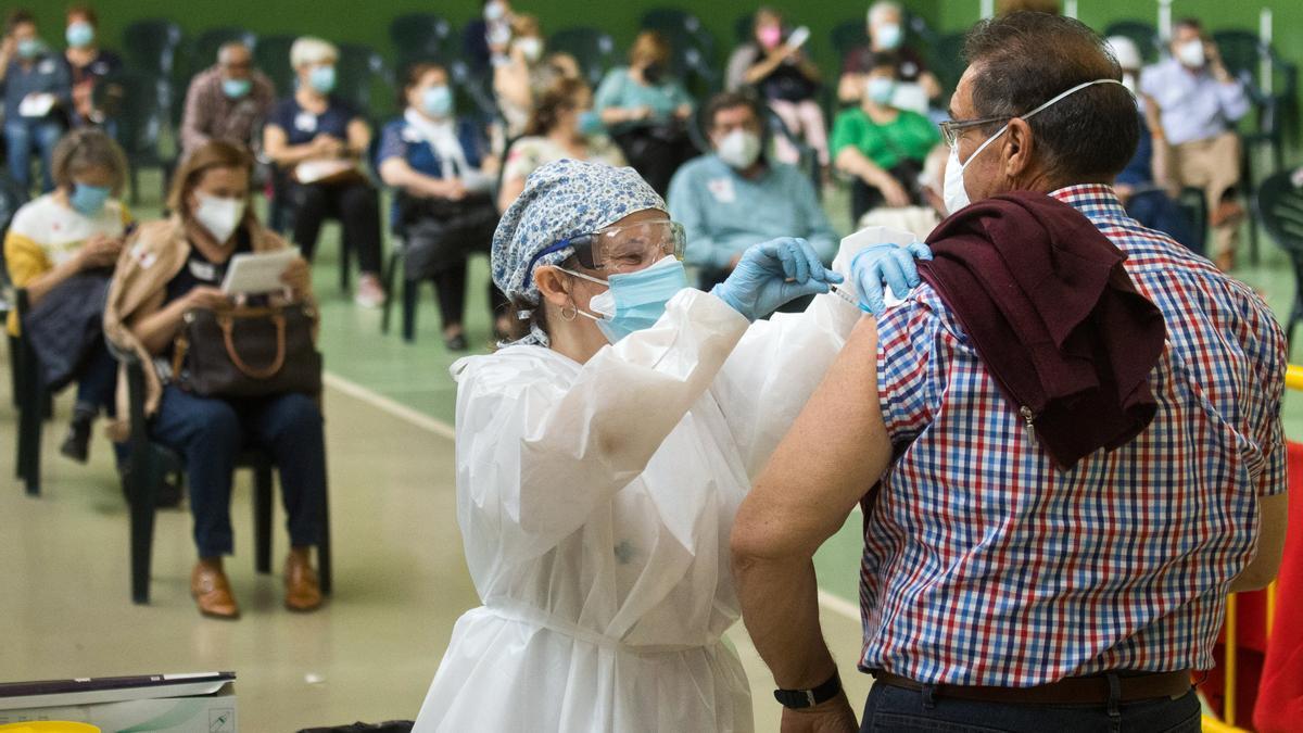 Vacunación masiva con Astrazeneca de personas entre 66 y 69 años, en Ciudad Rodrigo (Salamanca)