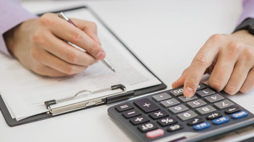 Lorca esperaba ahorrar, pero ha pagado 21.000 euros más en agosto