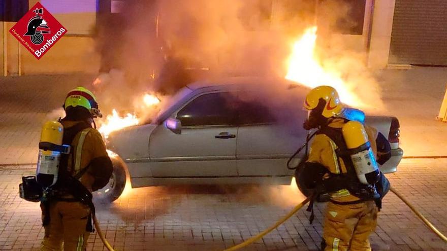 Alarma en Cocentaina por el incendio de un vehículo