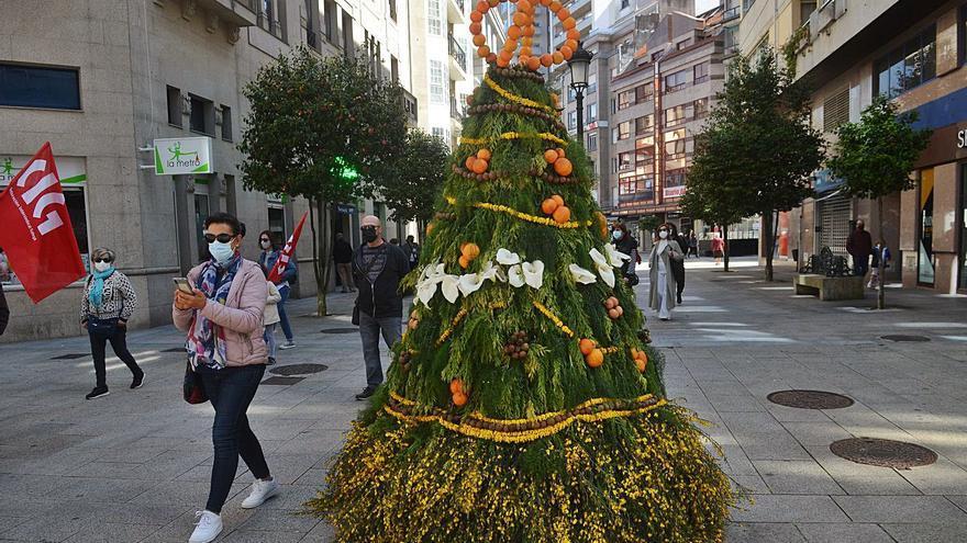 Los Maios resisten al COVID en formato virtual y con ornamentación en las calles