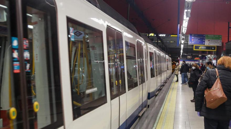 """Madrid asegura que la distancia social en el Metro """"ha venido para quedarse"""""""