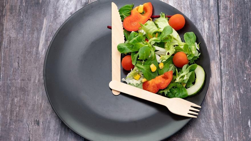 El ayuno intermitente no es más eficaz que una dieta estándar para perder peso