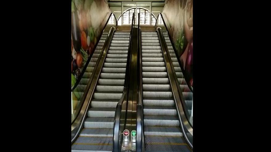 Escaleras mecánicas en el mercado de Verónicas