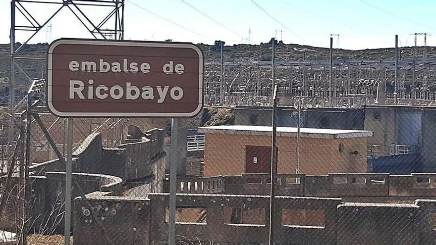 Instalaciones del Salto de Ricobayo, en el municipio de Muelas. | Ch. S.